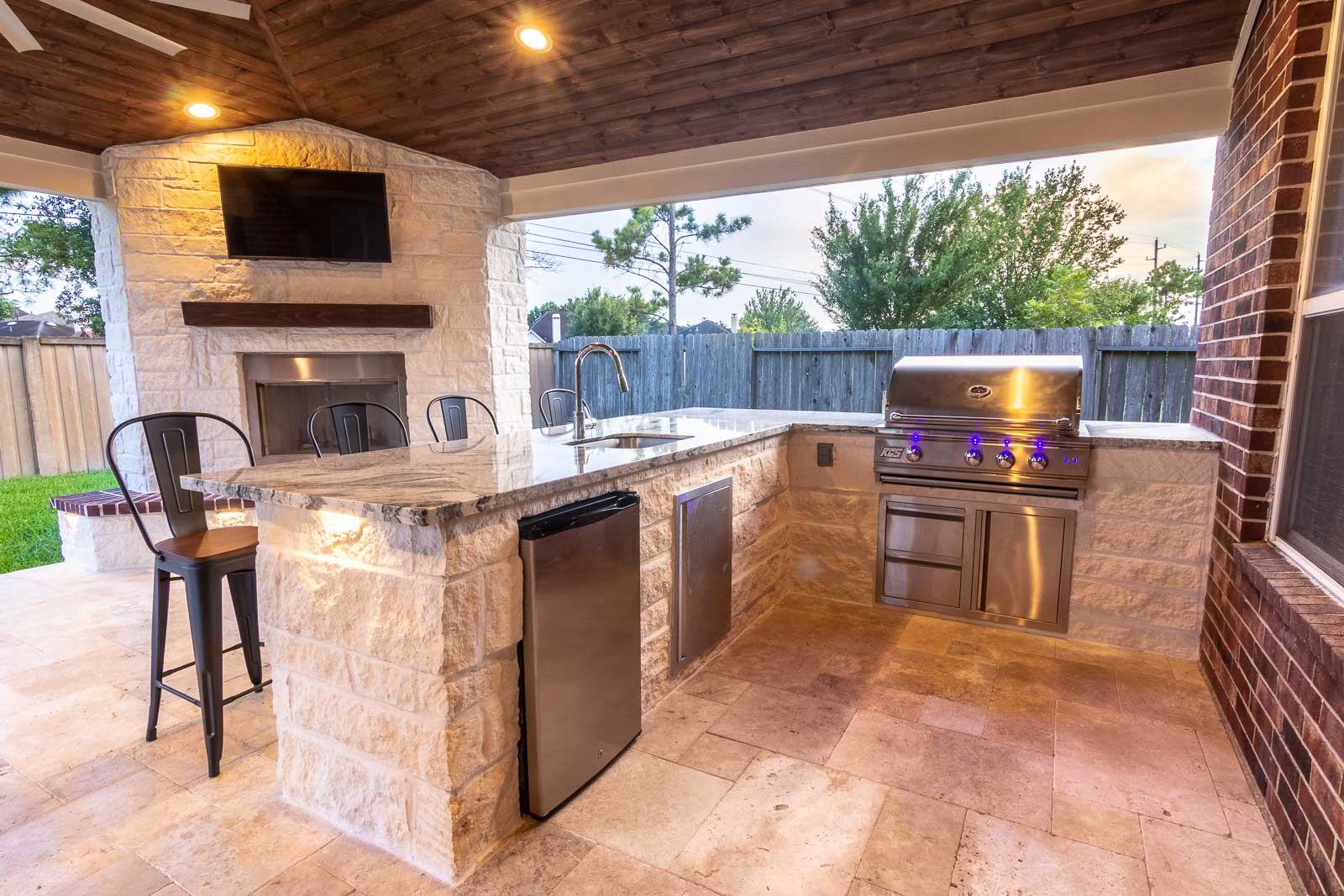 Designing An Outdoor Kitchen To Your Perfection - HHI ... on Outdoor Kitchen Patio id=58004